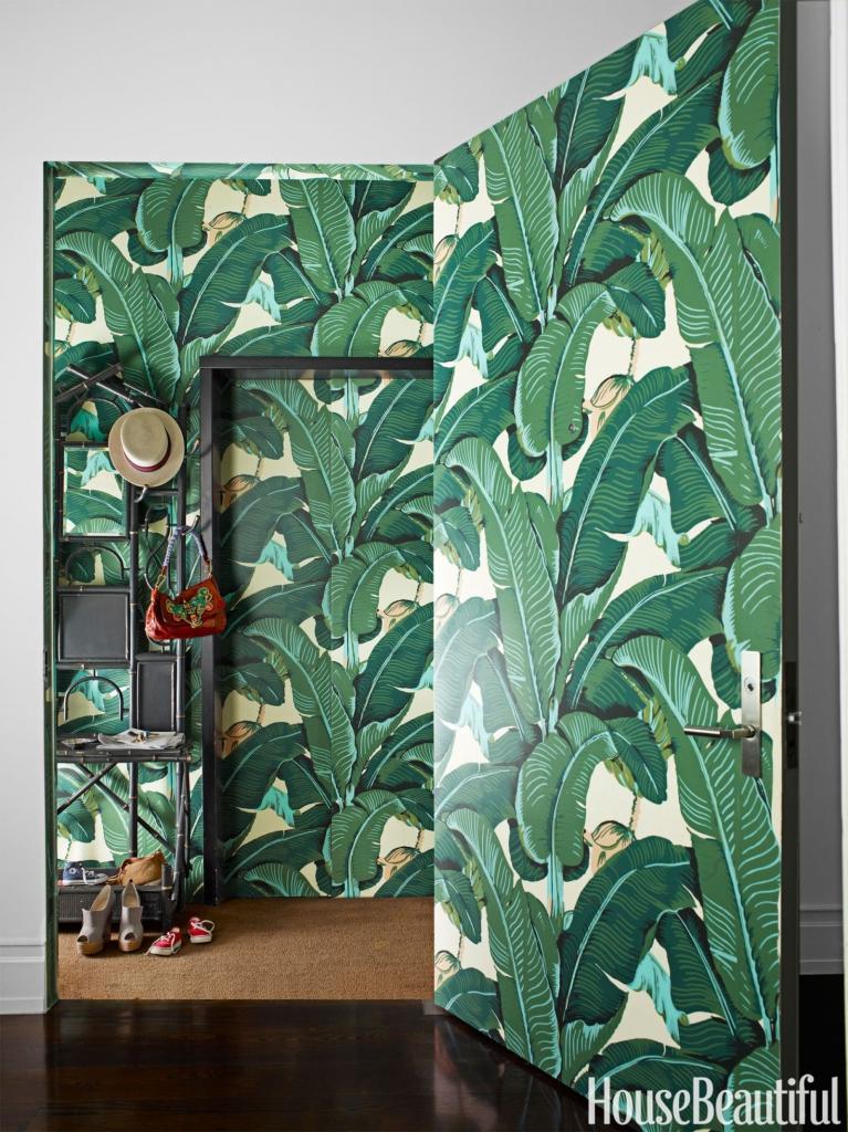 Unique-wallpaper-decoration-on-walls